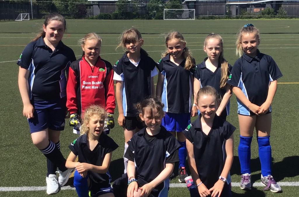 St-Helens-Girls-Football
